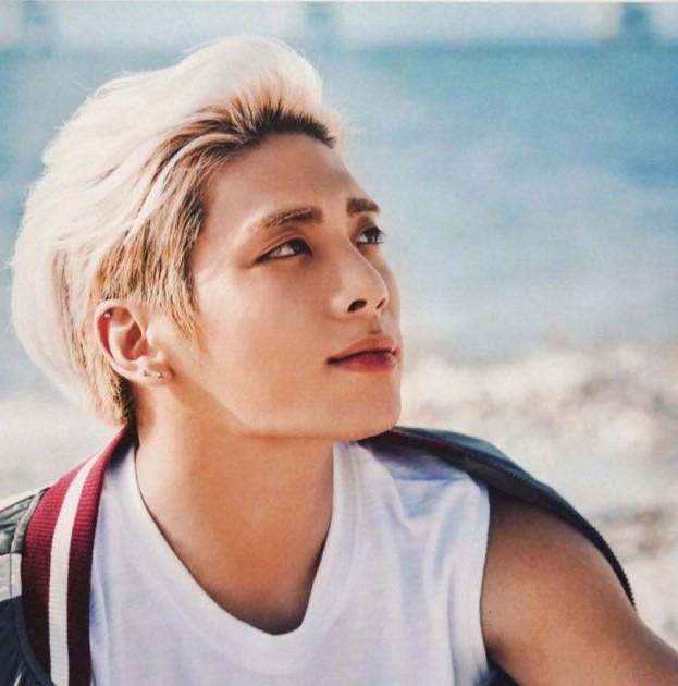 Джон Хён из SHINee (SM Entertainment)