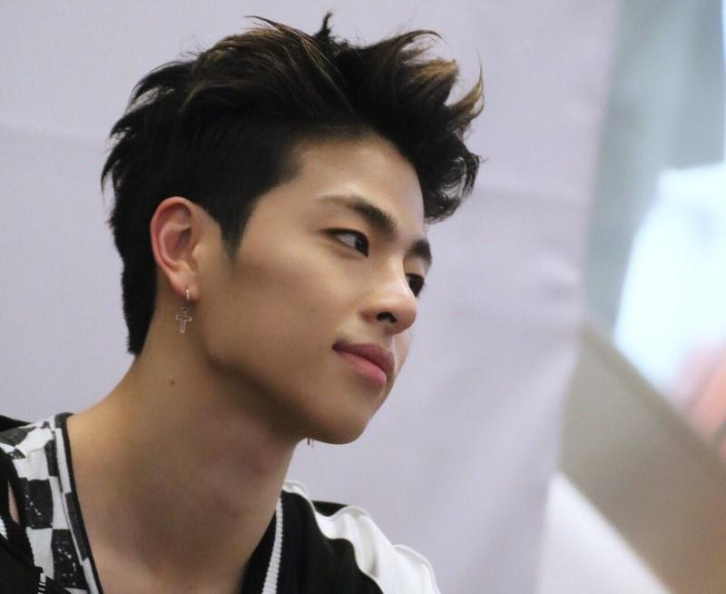 Ку Джунэ из iKON (YG Entertainment)