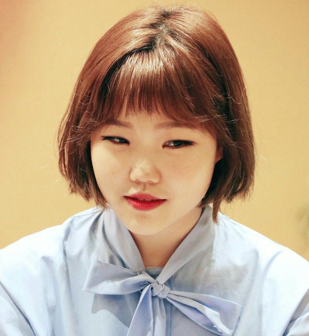 Ли Су Хён из AKMU (YG Entertainment)