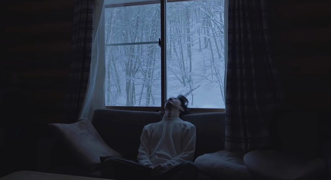 Бан Ёнгук объявил дату выхода сольного альбома и выпустил новое видео