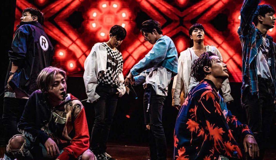 Группа iKON впервые выступила в США!