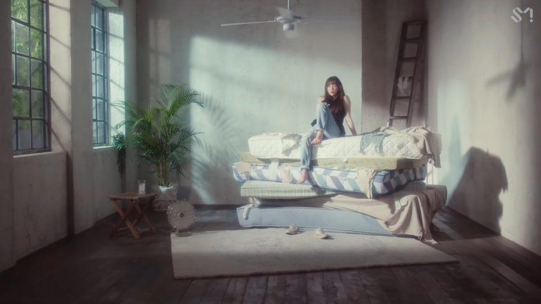 Тэён примеряет разные образы в клипе на песню