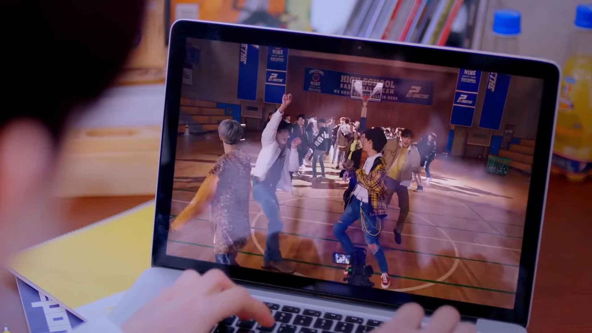 1THE9 дебютировали с клипом «Spotlight»!