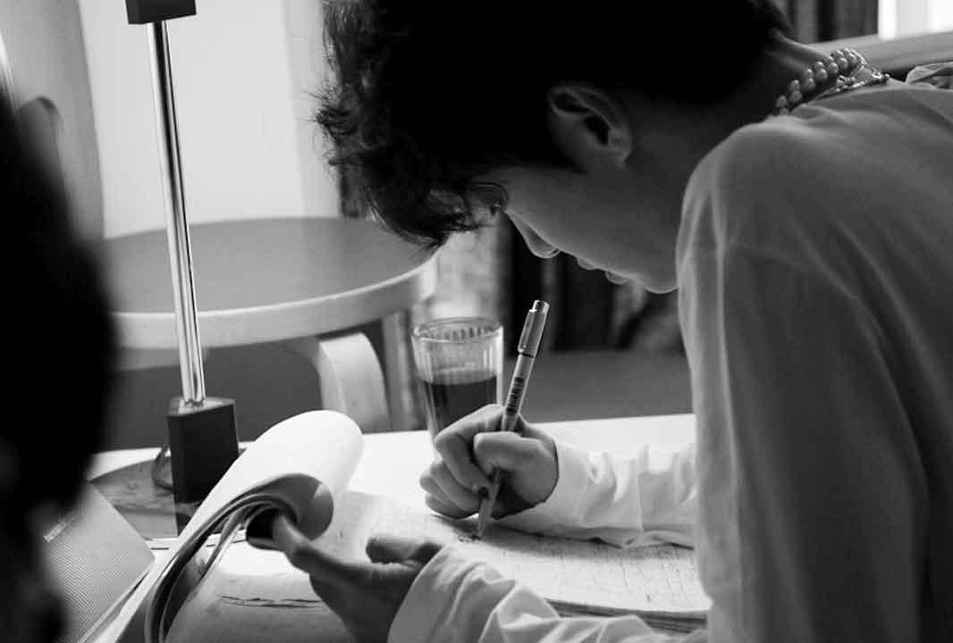 Бан Ёнгук готовит фильм о создании своего альбома