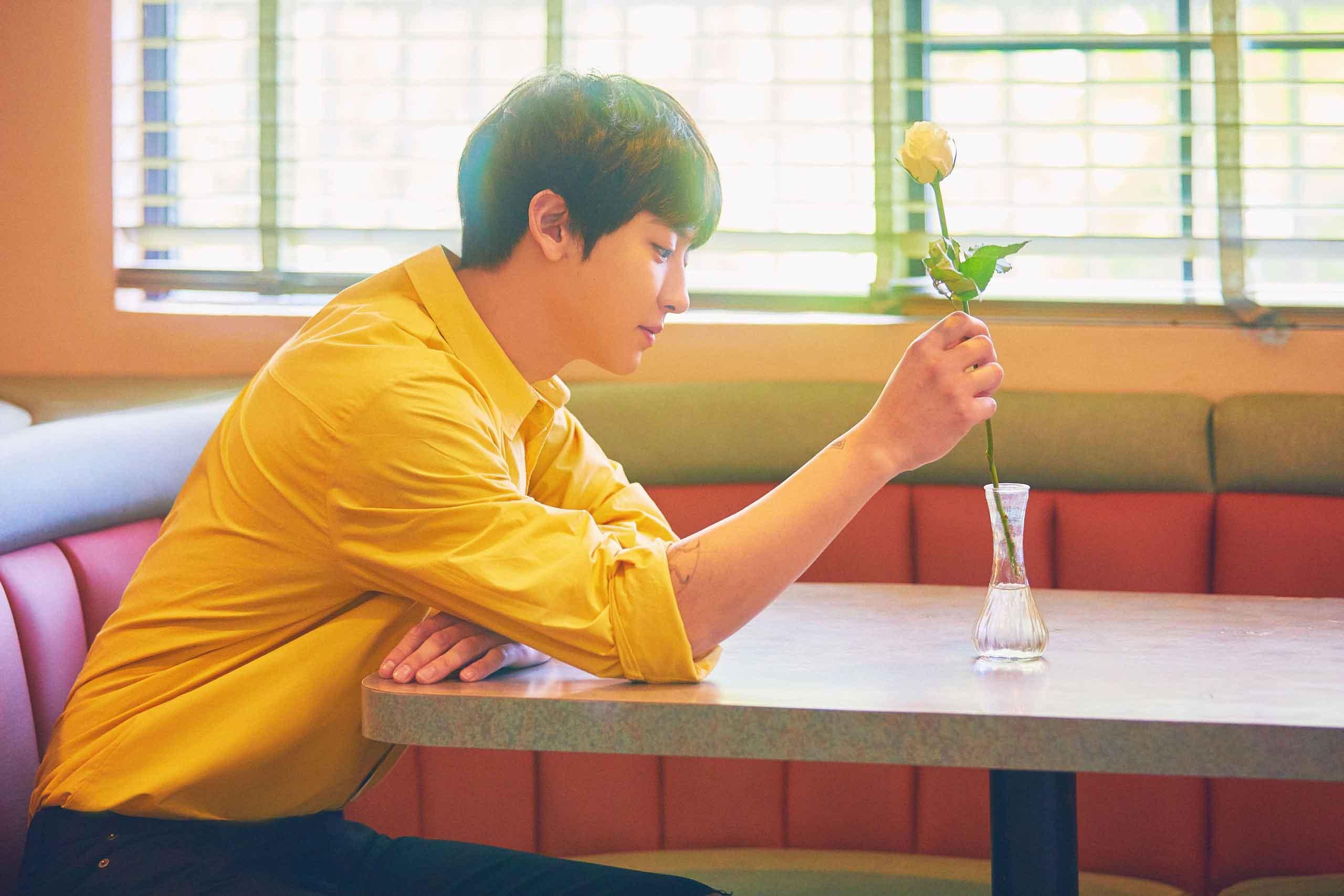 Чанёль из EXO споет свой сольный сингл на трех языках