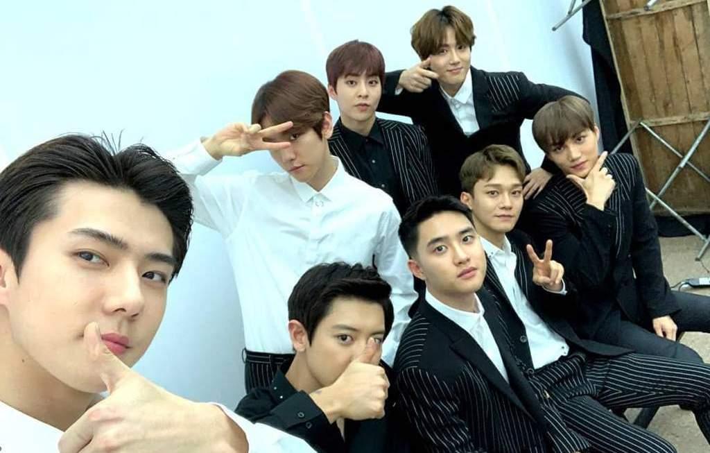 Мир празднует седьмую годовщину EXO!