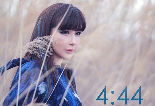 Пак Бом представила тизеры нового клипа «4:44» и альбома «re: Blue Rose»