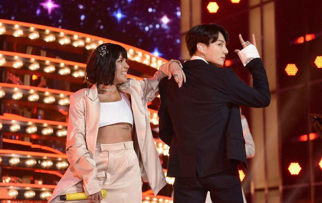 BTS и Холзи впервые вместе исполнили «Boy with Luv» на BBMA 2019!
