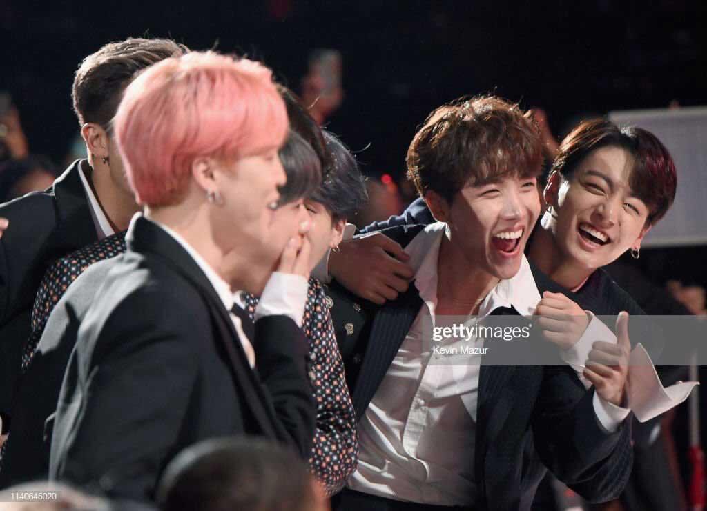 BTS получили две награды на Billboard Music Awards 2019!