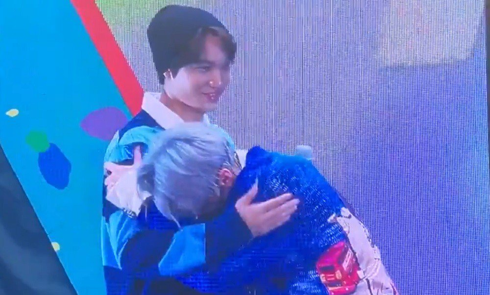 Участники EXO довели Сюмина до слез