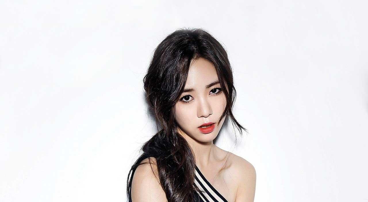 Kwon Min Ah - AOA