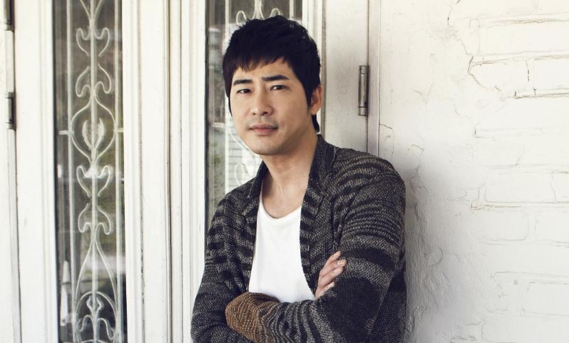 Кан Джи Хван
