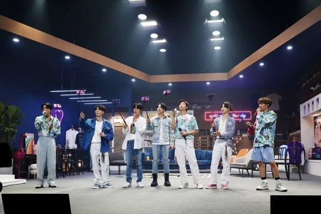 BTS-Bang-Bang-Con-The-Live